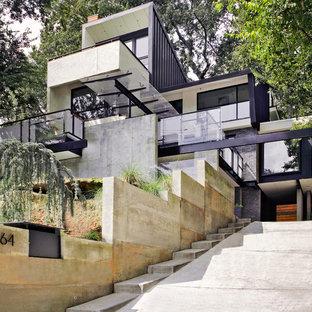 Foto della facciata di una casa contemporanea con rivestimento in mattoni