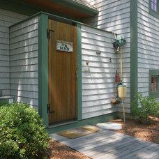 Traditional Exterior by Cape Associates, Inc.