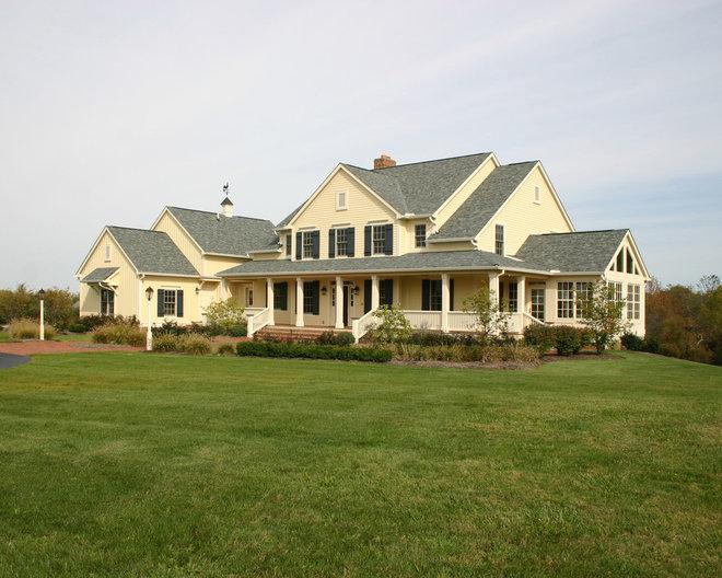 Farmhouse Exterior by RTA Studio