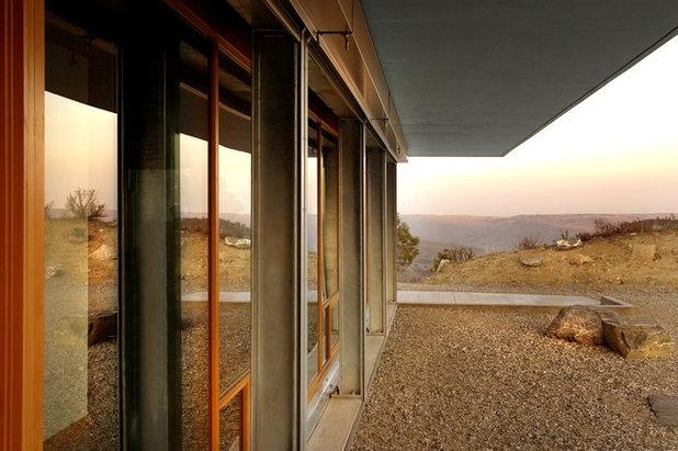 Modern Exterior by Eggleston Farkas Architects