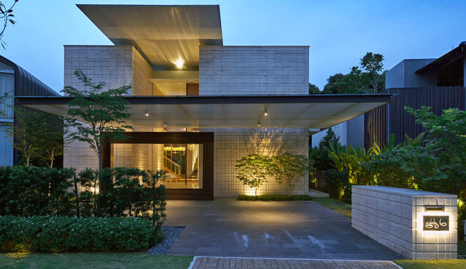 Contemporary Facade by Greg Shand Architects