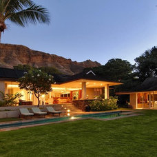 Tropical Exterior by Daniel Moran Architect