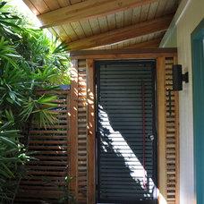Tropical Exterior by Fujita + Netski Architecture, LLC