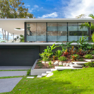 Inspiration for a modern exterior in Sunshine Coast.