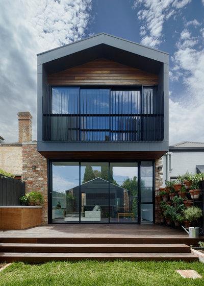 Contemporary Exterior by Rebecca Naughtin Architect