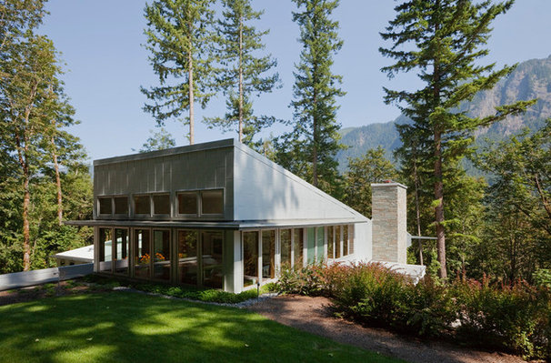 Contemporary Exterior by Thielsen Architects, Inc. P.S.