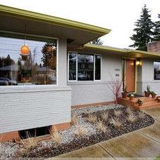 Modern Exterior by SBaird Design