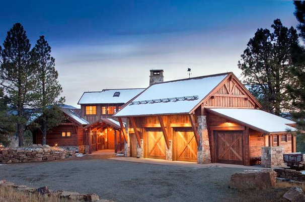 Traditional Exterior by Centre Sky Architecture Ltd