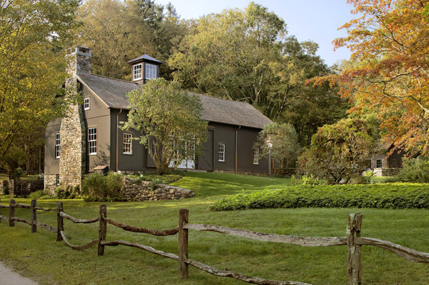 Farmhouse Exterior by Haver & Skolnick LLC Architects