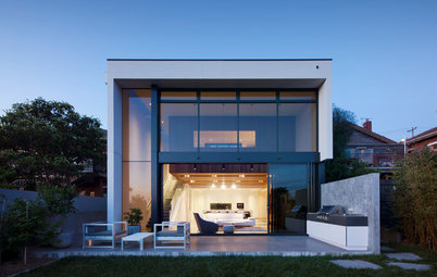 Houzz Tour: A Sloping Site Creates Spacious Split-Level Living