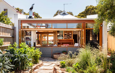 A Sunny Courtyard Lights Up a Cottage