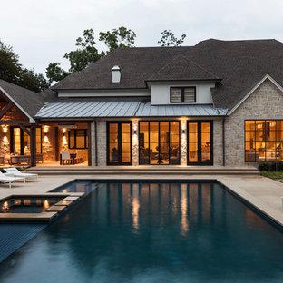 Exterior home photo in Dallas