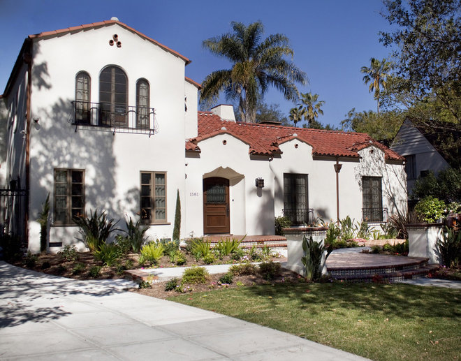 roots of style spanish eclectic homes find a place in the sun