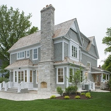 Beach Style Exterior by Oakley Home Builders