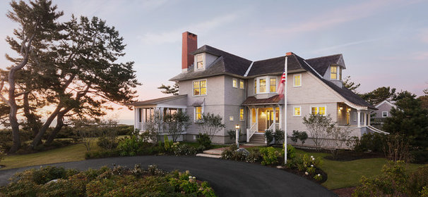 Beach Style Exterior by Whitten Architects