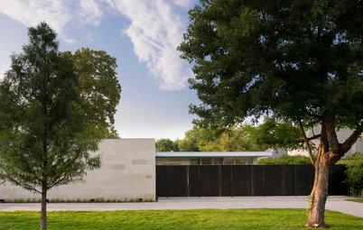 Houzz Tour: Modern Minimalism in a Multigenerational Home