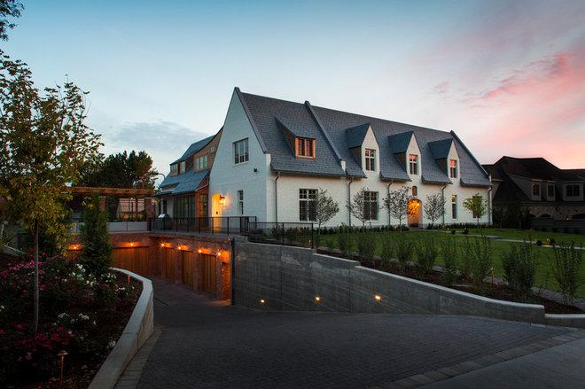 Farmhouse Exterior by Lloyd Architects