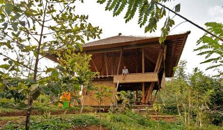 風が吹き渡るバリの竹の家