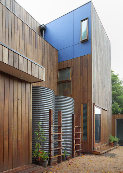 Contemporary Exterior by Fiona Winzar Architects