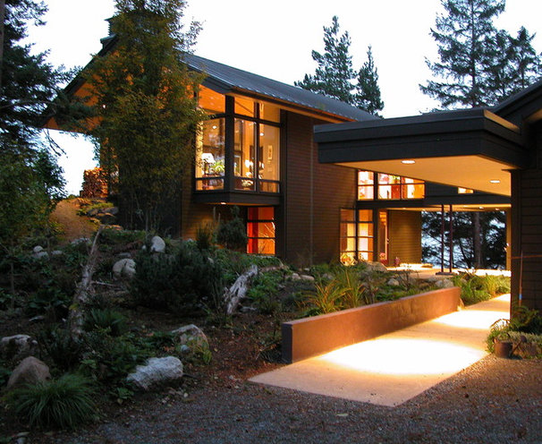 Rustic Exterior by Jeff Luth - Soldano Luth Architects