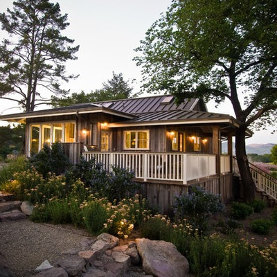 Country one-story exterior home photo in San Francisco