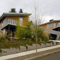 Modern Exterior by Building Arts Workshop