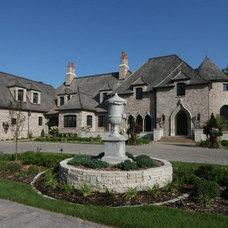 Traditional Exterior by Charles Cudd De Novo, LLC