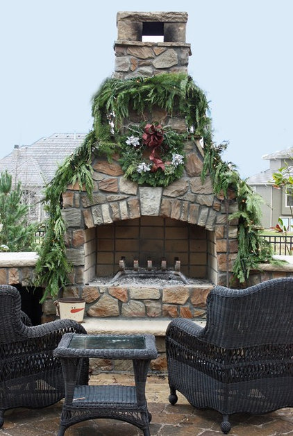Traditional Exterior by Rebekah Schaaf, Transitional Designs KC