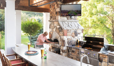 10 Party-Ready Specialty Outdoor Kitchen Features