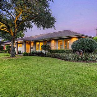 Contemporary exterior home idea in Houston