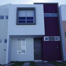 Modern Exterior by Carlos Avila ConE
