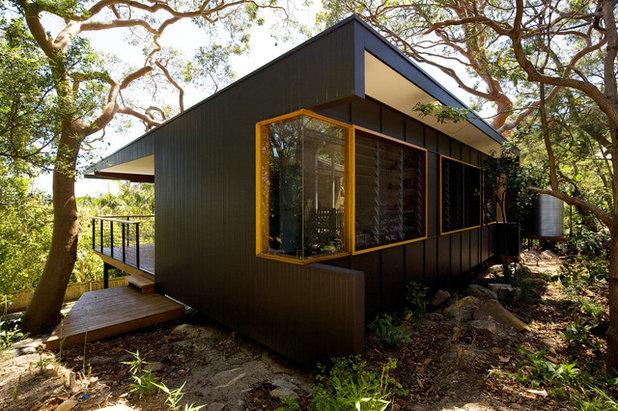 Contemporary Exterior by Matt  Elkan Architect