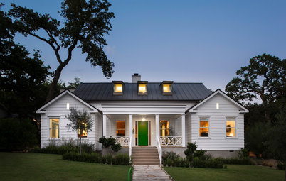 Houzz Tour: Unusual Mixes of Old and New in Texas