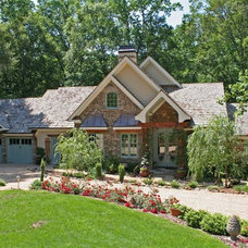 Traditional Exterior by Pamela Foster & Associates, Inc.