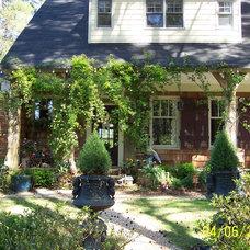 Traditional Exterior by Pamela Foster & Associates, Inc.
