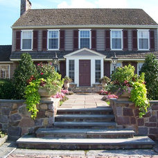 Traditional Exterior by Dear Garden Associates, Inc.