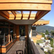 Contemporary Deck by Kallweit Graham Architecture