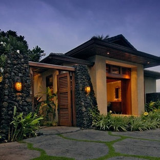 Tropical exterior home idea in Hawaii