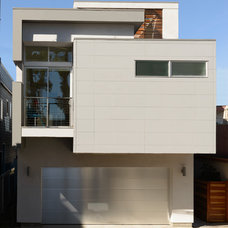Contemporary Exterior by LeMaster Architects