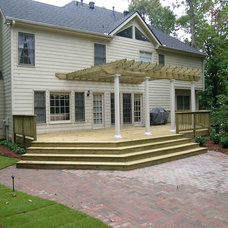 Traditional Exterior by Legacy Landscapes, Inc.