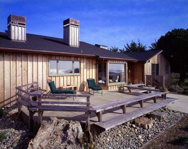 Rustic Exterior by Cathy Schwabe Architecture