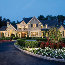 Traditional Exterior by Guidi Homes