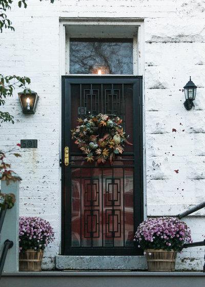 Klassisk Fasad by Rachel Loewen Photography