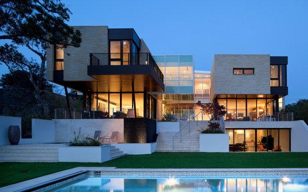 Modern Exterior by hughesumbanhowar architects