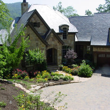 traditional exterior Plant Selections