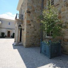 Traditional Exterior by Conte & Conte, LLC