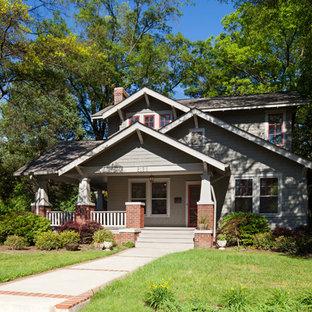 Idee per la facciata di una casa american style a due piani
