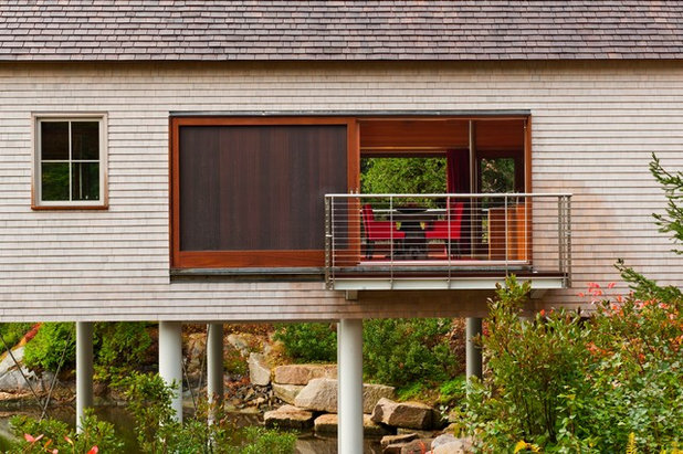 Transitional Exterior by Eric Reinholdt, Architect