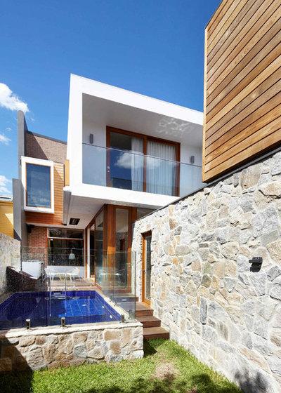 Contemporary Exterior by elaine richardson architect