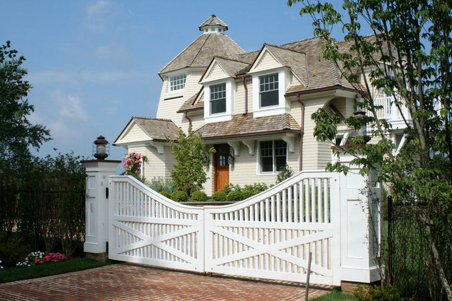 Beach Style Exterior by SJMac Gregor Builders, LLC